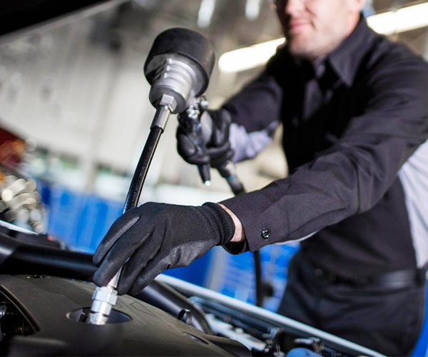 Get Your Next Oil Change at Peltier Chevrolet