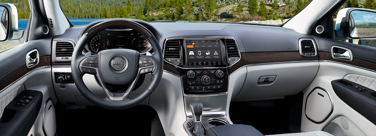2020 Jeep Grand Cherokee Interior & Tech Features