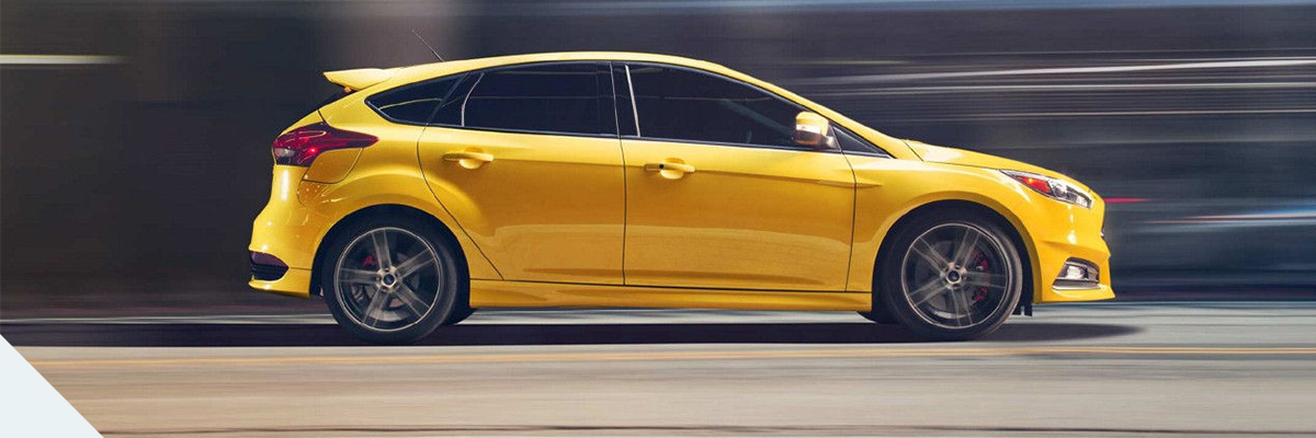 2018 Ford Focus ST Side View