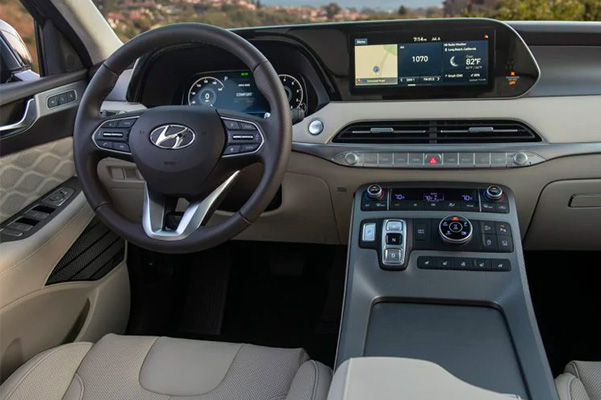 2021 Hyundai Palisade interior of dashboard