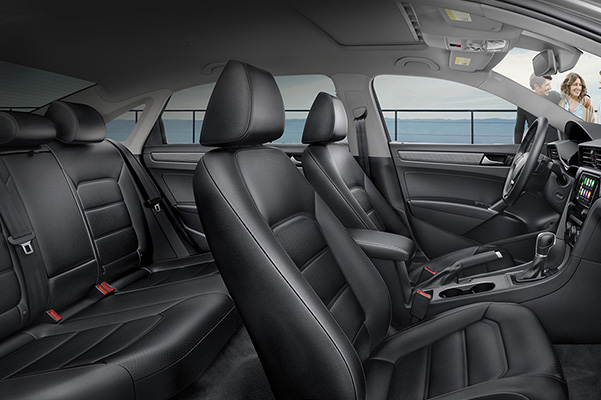 2020 Volkswagen Passat interior side