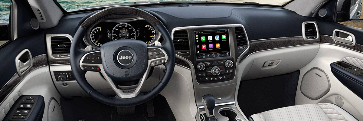 2018 Jeep Grand Cherokee Interior Features & Tech