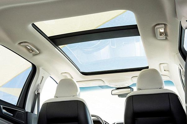 2019 Ford Edge Interior & Technology