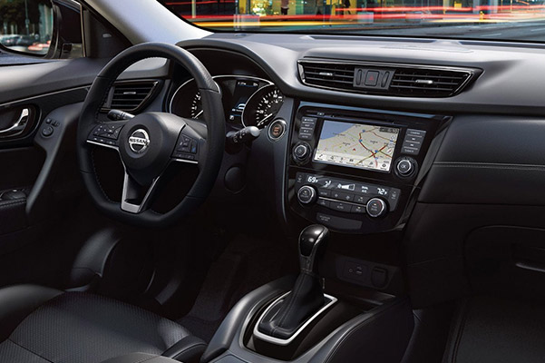2019 Nissan Rogue Interior & Technology
