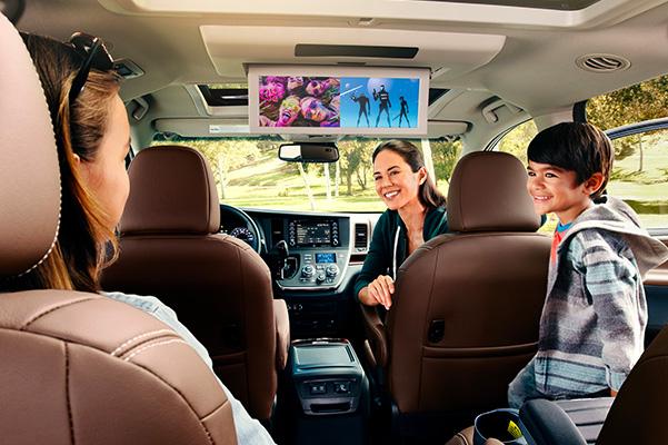 2020 Toyota Sienna rear entertainment