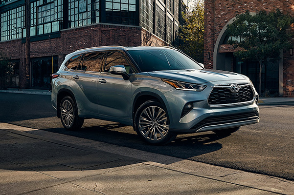 2020 Toyota Highlander parked on street