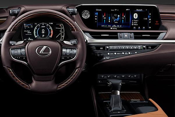 2020 Lexus ES 350 interior dash