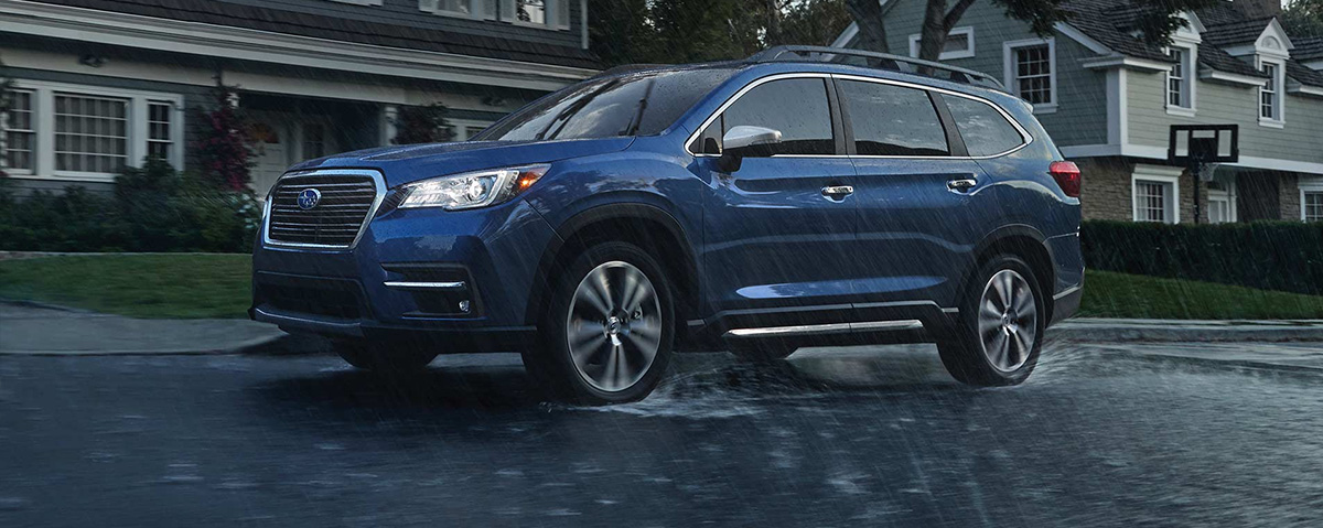 2019 Subaru Ascent in rain