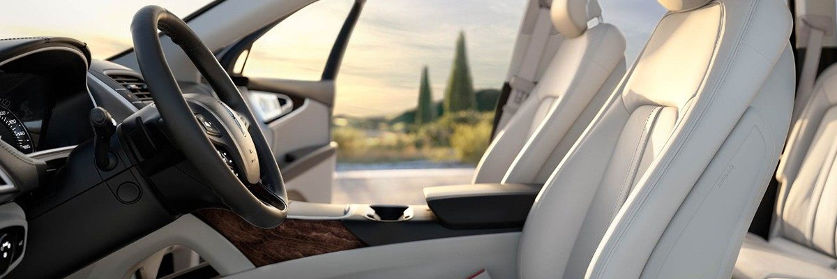2018 Lincoln MKX interior seating