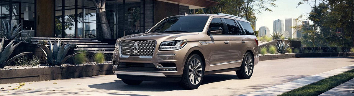 2018 Lincoln Navigator parked on street
