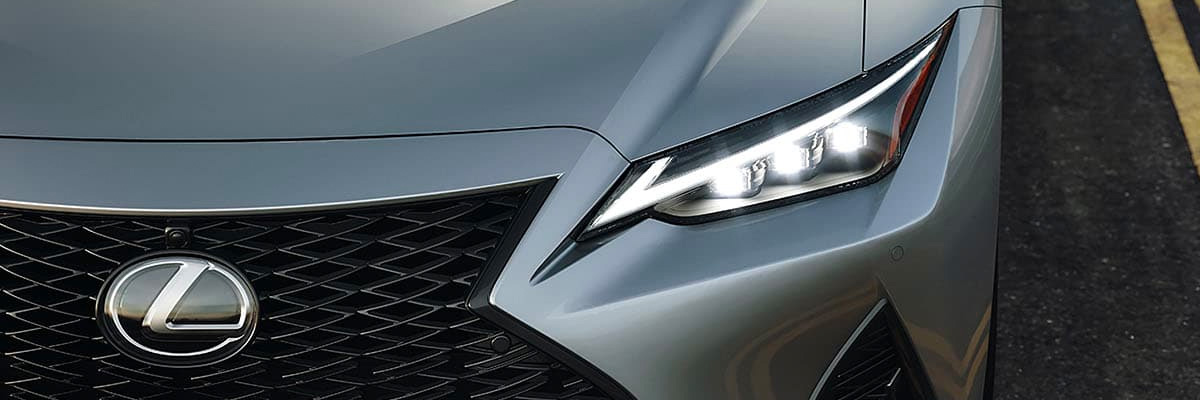 Close up shot of the grill on a Lexus sedan