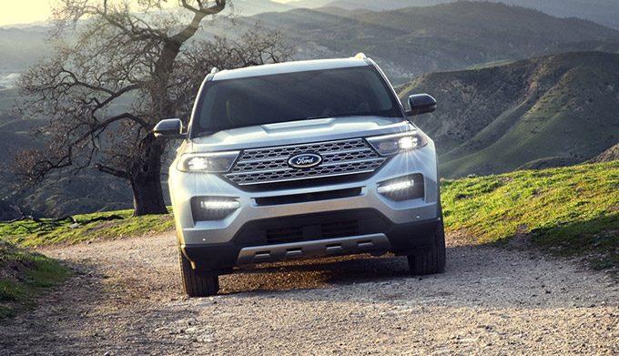 2021 Ford Explorer on trail