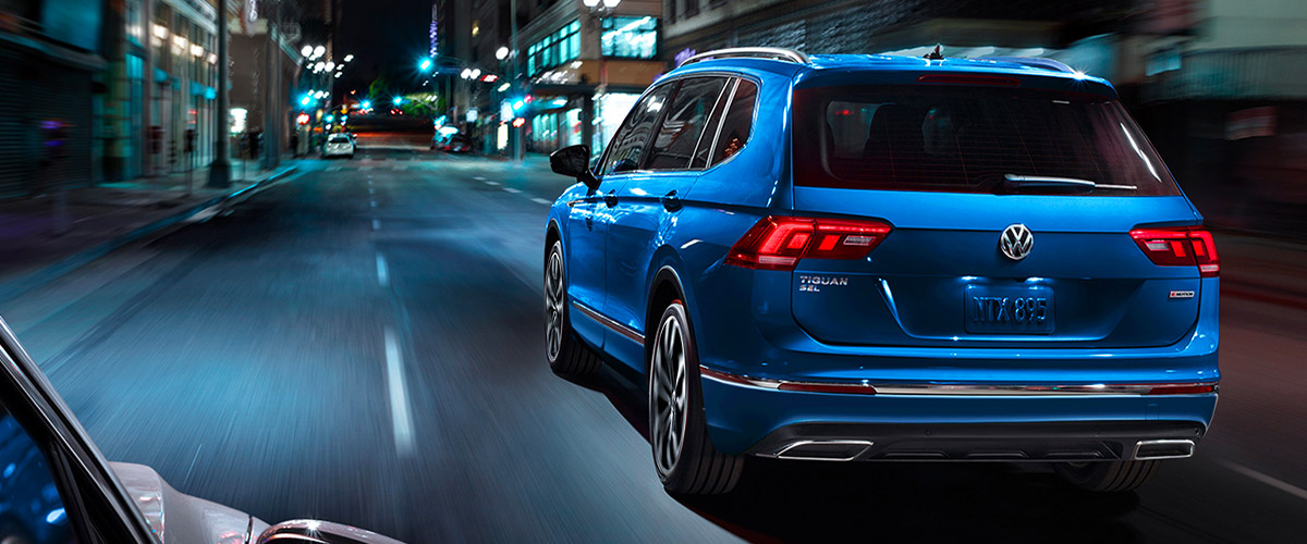 Tiguan SEL Premium R-Line with 4MOTION® shown in Silk Blue Metallic