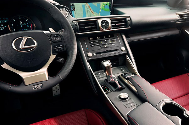 2019 Lexus IS Interior Features & Technology