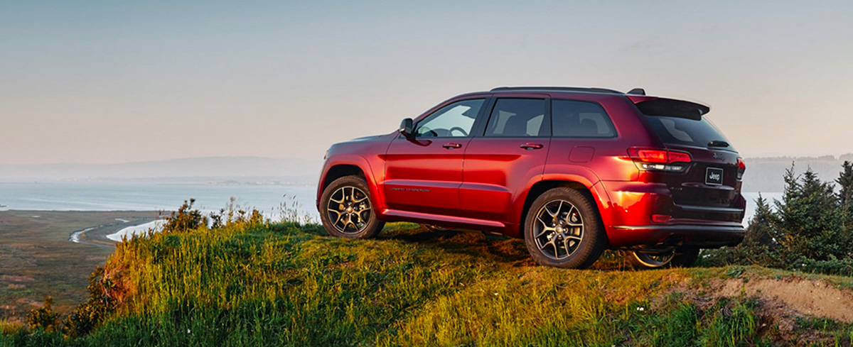 2020 Jeep Grand Cherokee Footer
