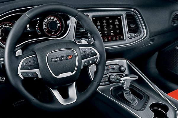 2018 Dodge Challenger Interior & Technology