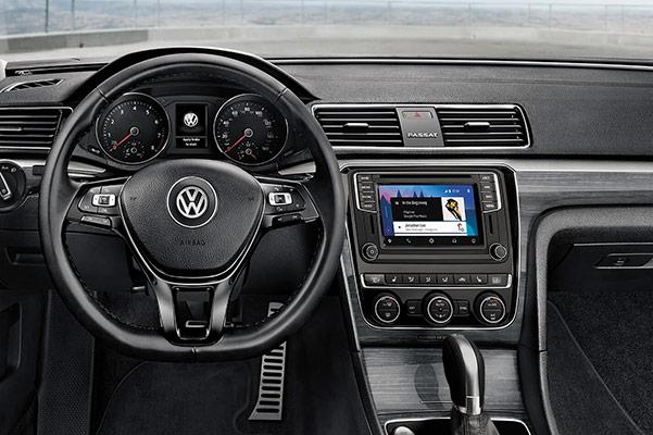 2018 Volkswagen Passat Features: Interior & Technology