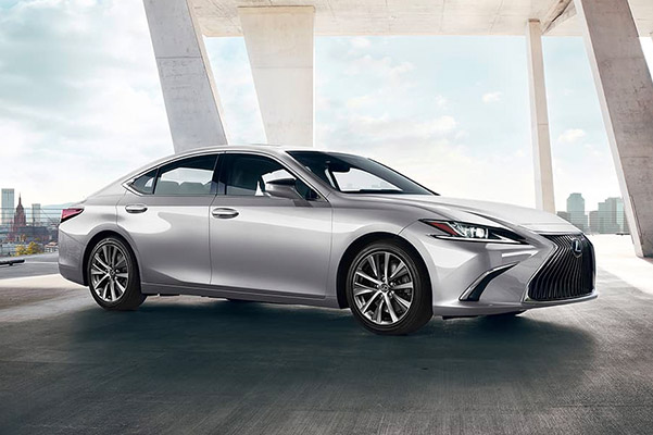 Lexus ES - Why Are Car Dealers Closed on Sundays?