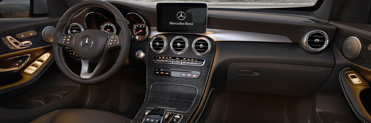 2018 Mercedes-Benz GLC interior dash