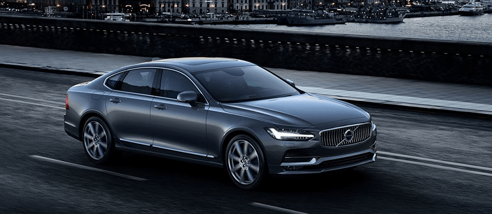 2018 Volvo S90 side exterior in motion