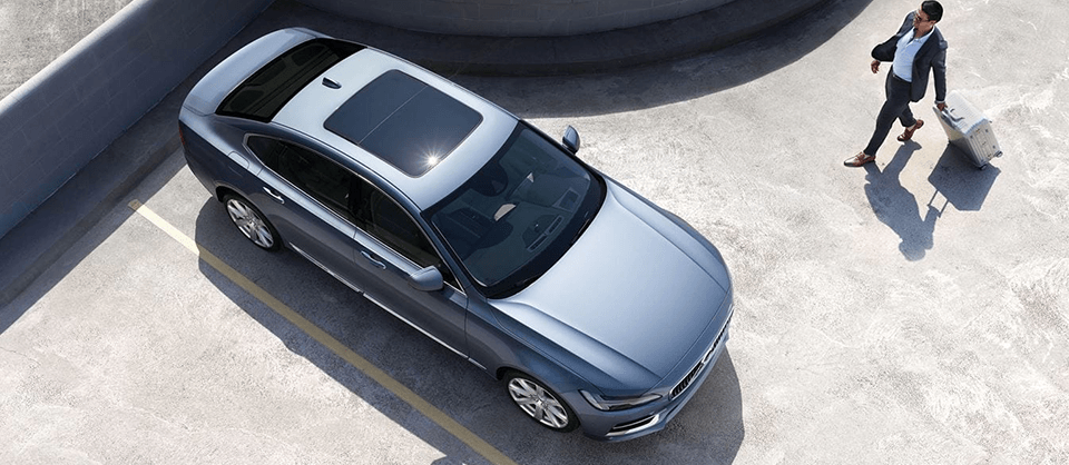 2018 Volvo S90 side exterior aerial view
