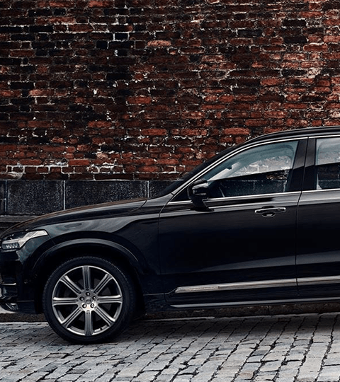 2018 Volvo XC90 side view exterior