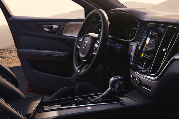 2019 Volvo S60 Interior & Technology
