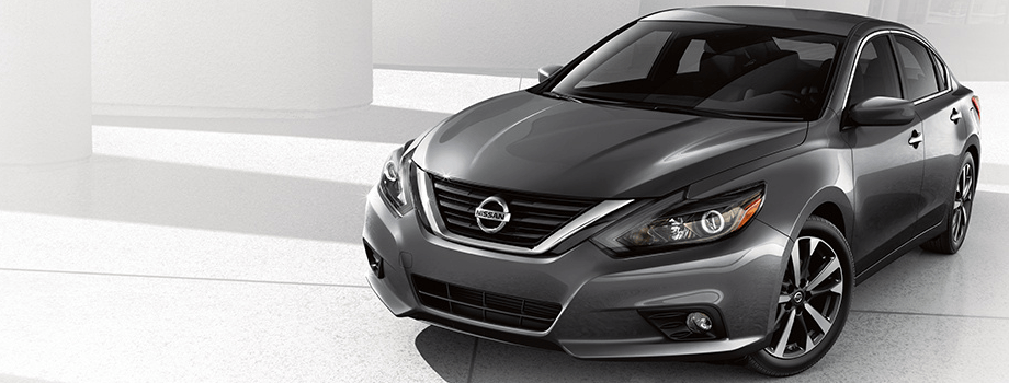 2018 Nissan Altima red exterior front
