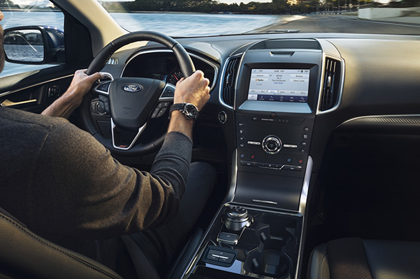 2020 Ford Edge interior dash