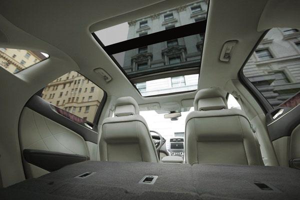 2018 Lincoln MKC interior