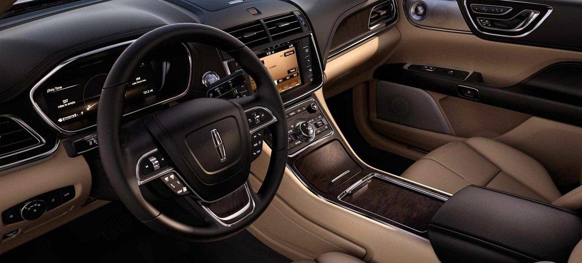 2018 Lincoln Continental Tech & Interior