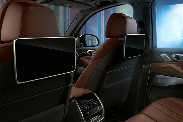 2020 BMW X5 interior rear screens