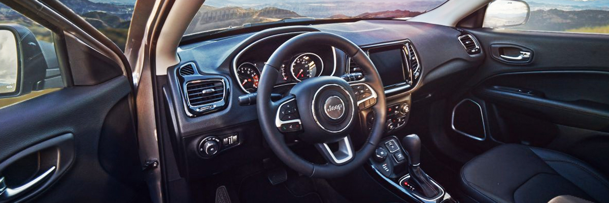 2018 Jeep Compass Interior & Tech