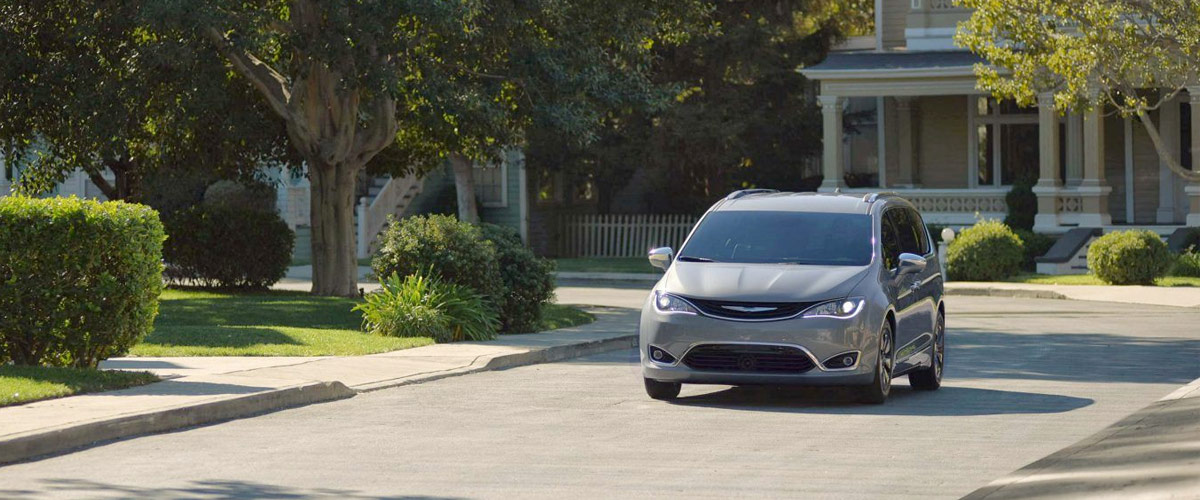 2018 Chrysler Pacifica Specs & Safety Features