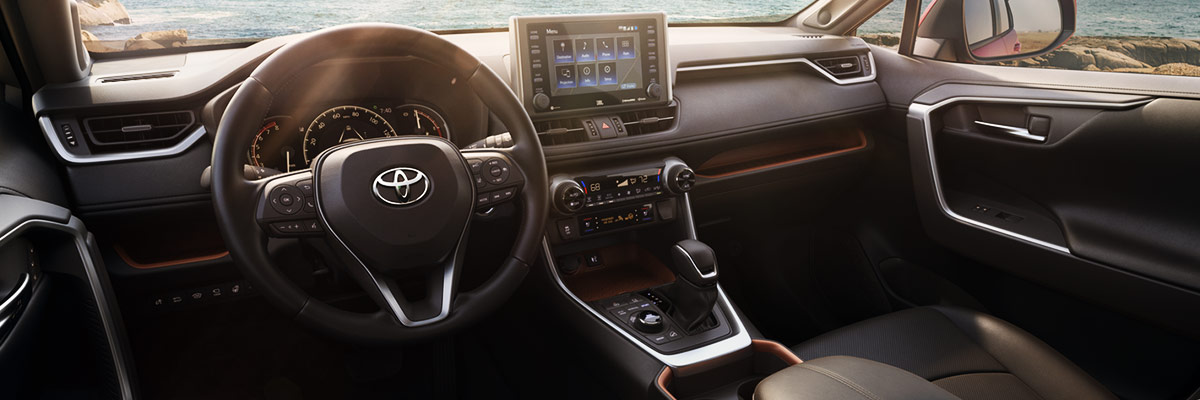 2019 Toyota RAV4 Interior & Safety