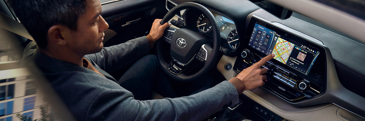 2020 Toyota Highlander Interior Technology & Safety Systems