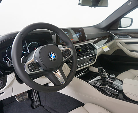 2019 BMW M550xi Interior