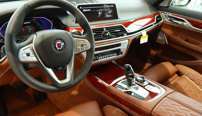 2020 BMW B7 ALPINA xDrive Interior